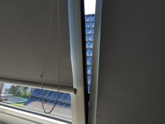 Rolgordijn geplaatst op draai kiep raam
